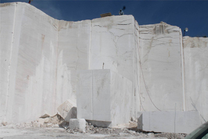Roman ravertine quarry 02